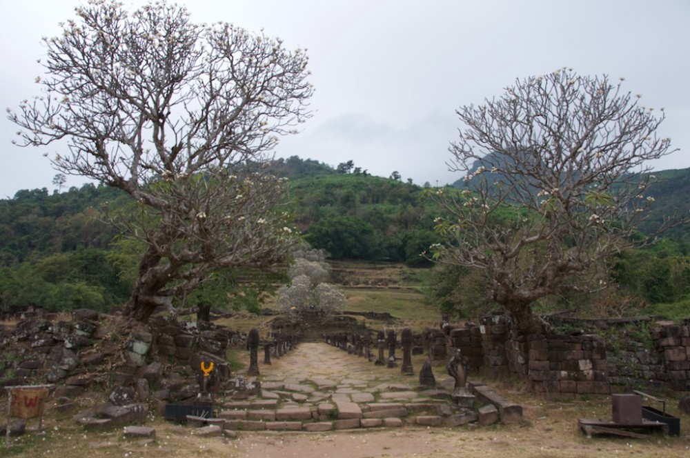Enterence to Wat Phou